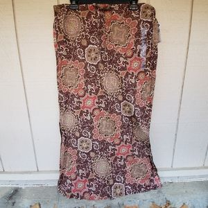 Old Navy low waist long skirt NWT size 10